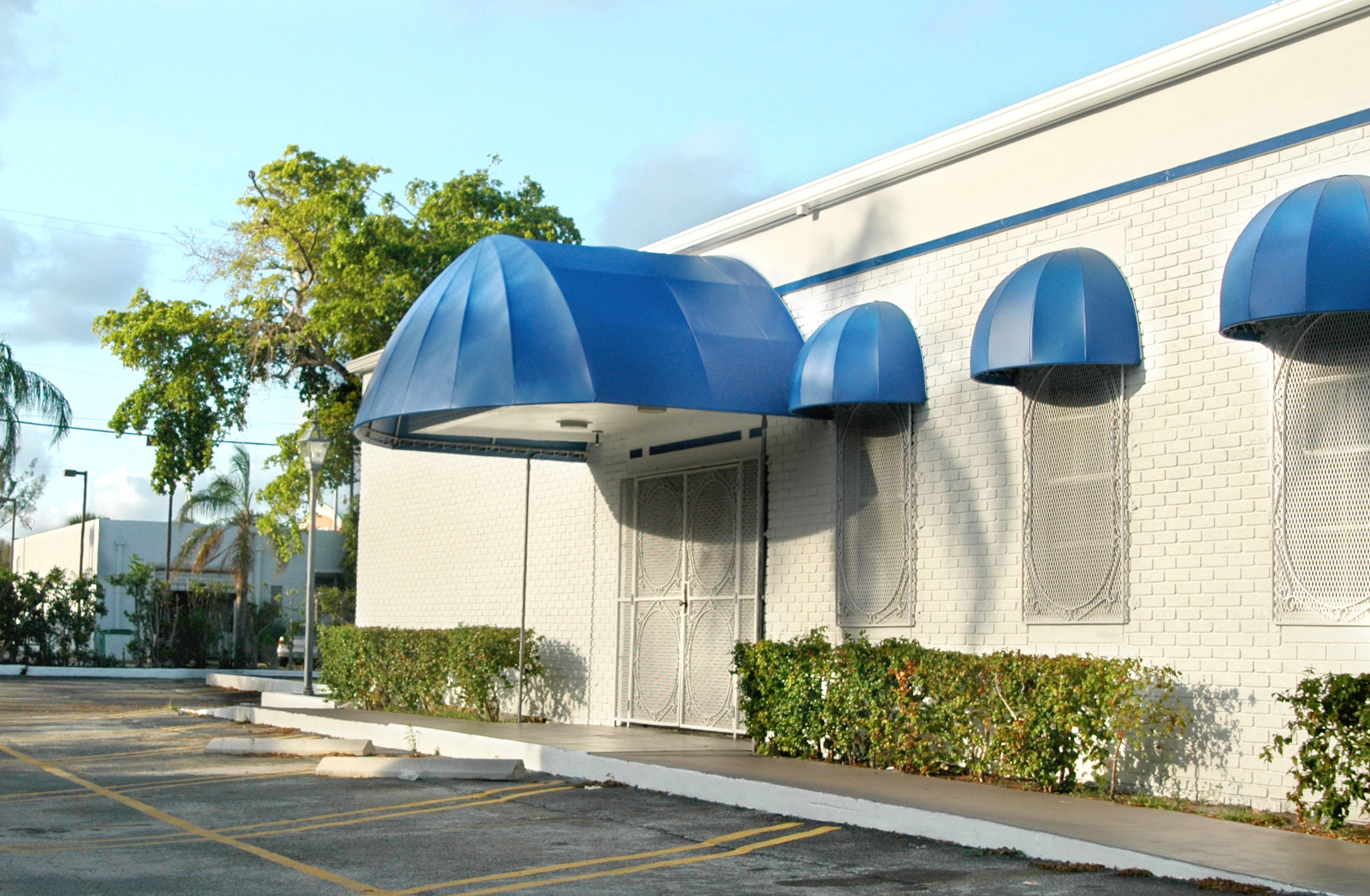 bullnose awnings 28 images awning employee entrance door